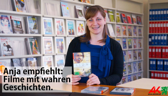 Anja präsentiert die besten Wanderführer aus der AK-Bibliothek. © -, AK Stmk