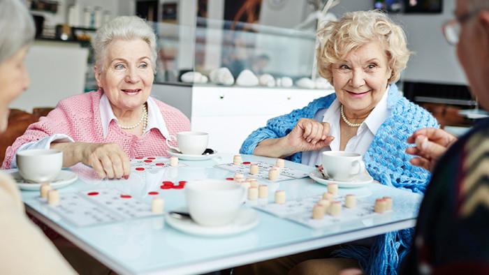 Senioren mussten Material- und Verwaltungskosten zahlen – dafür gab es keine vertragliche oder gesetzliche Grundlage. © pressmaster/stock.adobe.com, AK Stmk