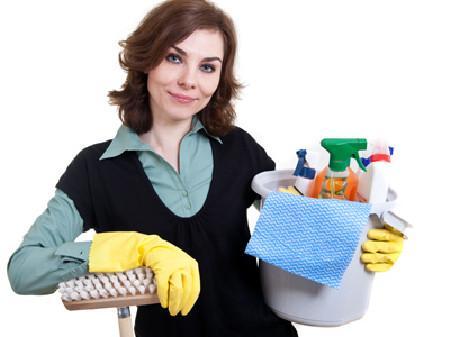 Putzfrau bei der Arbeit © J. Sommer, Fotolia