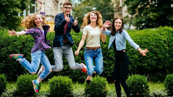 Schulbeihilfe aber der 9. Schulstufe beantragen und 250 Euro pro Schuljahr bekommen. © Iryna - stock.adobe.com, AK Stmk