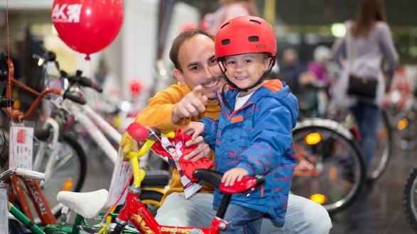 Viele Kinder bekamen auf der AK-Radbörse ein neues Fahrrad. © Temel, AK Stmk
