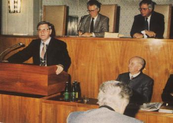 Prominenter Gast in der Vollversammlung: Bautenminister Dr. Heinrich Übleis © Stmk. Landesbibliothek, Kapselsammlung, Nr. 26, zit. n. Uhl, 1991, AK Stmk