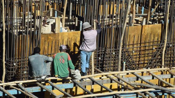 Arbeiter in Adis Abeba © Regine Ruedinger, stock.adobe.com