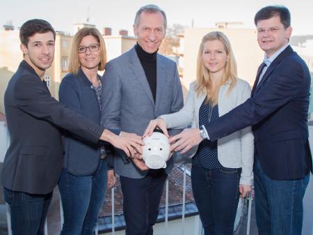 AK Präsident Josef Pesserl (Mitte) mit dem AK Steuerteam © Graf, AK Stmk