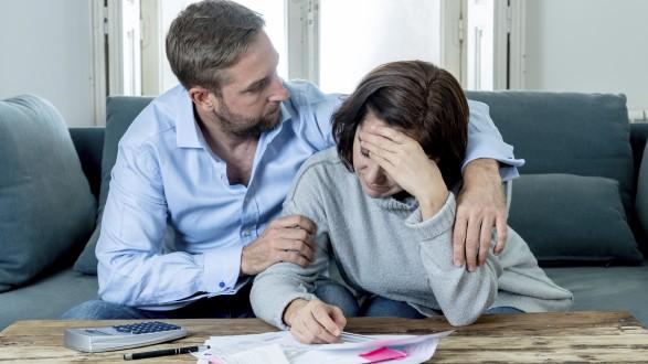 Streicht die Bank den Überziehungsrahmen beim Konto, kann man schnell in eine finanzielle Notsituation geraten. © Samuel, Adobe Stock