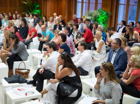 Das prominente Podium zog viel Publikum an. © Graf, AK Stmk
