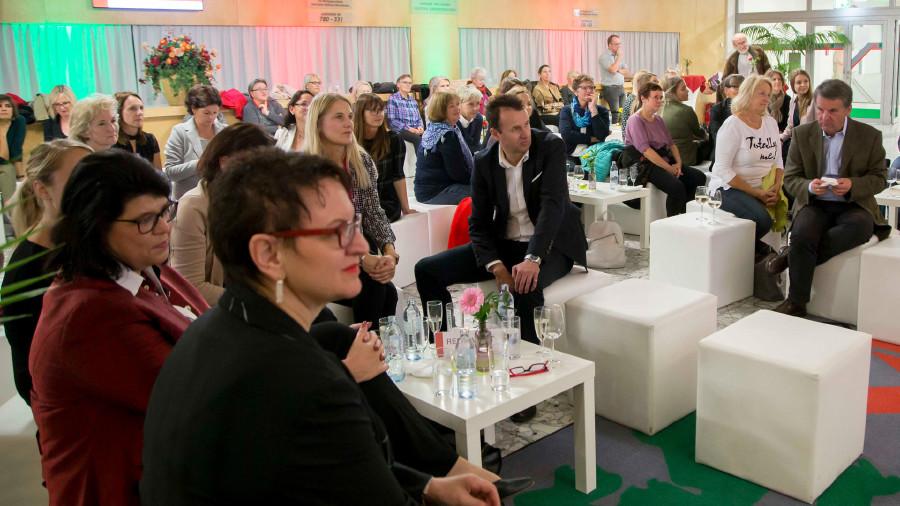 Viel Publikum bei der Lesung von Elfriede Hammerl © Graf-Putz, AKSTMK