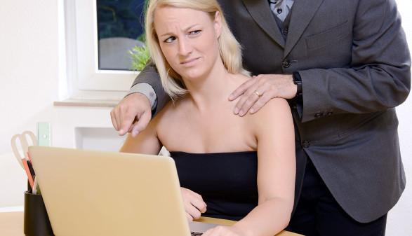 Es gibt verschiedene Arten der Diskriminierung. Sexuelle Belästigung ist eine von vielen. © Dan Race - adobe.stock.com, AK Stmk