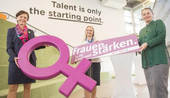 Wollen gemeinsam Frauen in der Arbeitswelt stärken: die Vizepräsidentinnen Maria Pein, Gabi Lechner und Patricia Berger (von links). © Fischer, AK Stmk