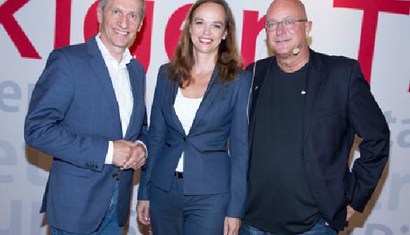AK-Präsident Pesserl diskutierte mit Ministerin Hammerschmid und Autor Glattauer. © Graf, AK Stmk