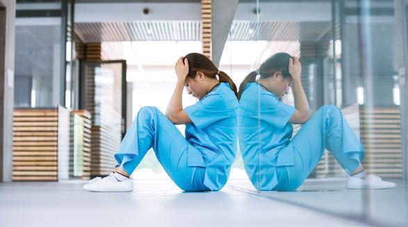 Beschäftigte im Bereich Pflege und Gesundheit sind oft von Mobbing betroffen. © WavebreakMediaMicro, stock.adobe