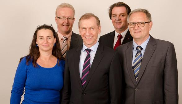 Das neugewählte AK-Präsidium mit Patricia Berger, Franz Gosch, Josef Pesserl, Gernot Acko und Günter Steinbauer.  © Graf-Putz, AK Stmk