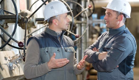 Der gekündigte Produktionsmitarbeiter wandte sich an die AK, die eine Wiedereinstellung erwirken konnte. © auremar - stock.adobe.com, AK Stmk
