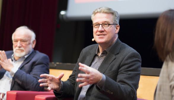 Philipp Blom hielt einen Vortrag darüber, was seiner Meinung nach gerade alles auf dem Spiel steht. © Graf-Putz, AK Stmk