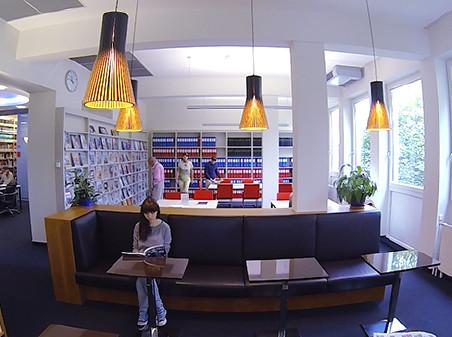 Die AK-Bibliothek hat einen gemütlichen Lesesaal mit Magazinen und Zeitungen. © -, AK Stmk