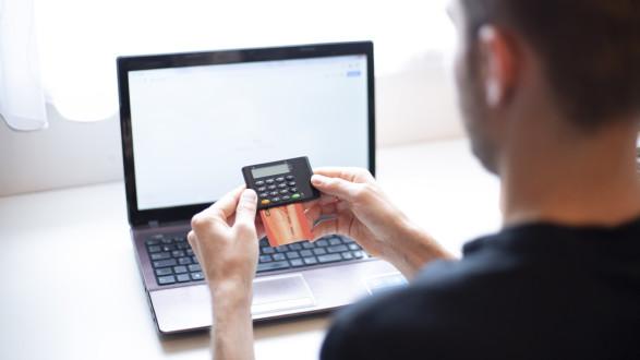 Neben Smartphone-Apps sind cardTAN- Geräte eine weitere Möglichkeit, TANs fürs Online-Banking zu erhalten.   © Temel, AK Stmk