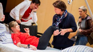 Beim Tag der Pflege gibt es nicht nur Vorträge, sondern auch die Möglichkeit, vieles auszuprobieren und zu lernen. © Graf-Putz, AK Stmk