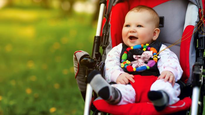 Freundliches Baby im Kinderwagen. © aleksey_ipatov_-_stock.adobe, AK Stmk