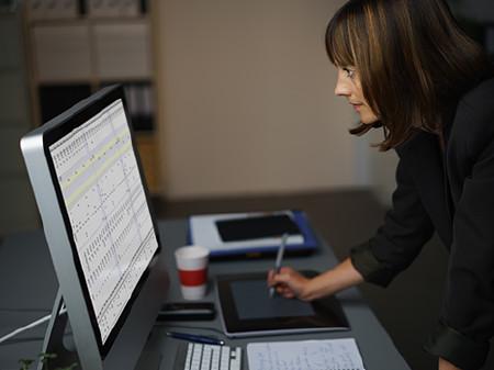 Portrait Frauenquoten in Aufsichtsräten © contrastwerkstatt, Fotolia