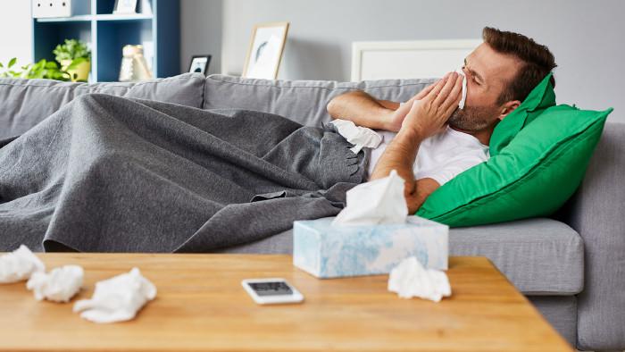 Wird das Arbeitsverhältnis während des Krankenstandes einvernehmlich aufgelöst, muss die Firma seit 1. Juli das Krankenentgelt weiterzahlen. © AdobeStock_bartekszewczyk.com, AK Stmk