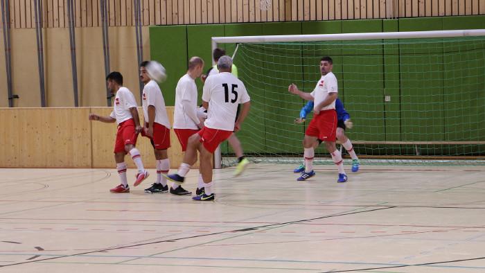 Fünf Betriebsteams aus der Region Oststeiermark kämpften um den Aufstieg zur Landesmeisterschaft im Jänner 2020. © Betriebsport, AK Stmk
