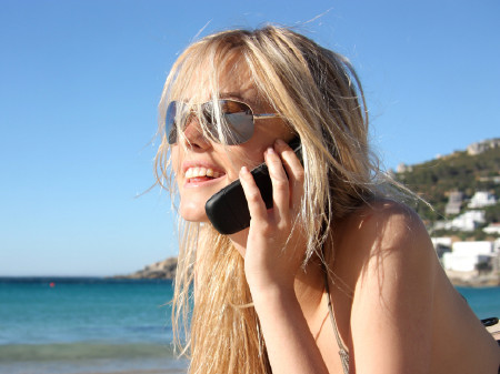 Telefonieren im Urlaub © olly, Fotolia.com