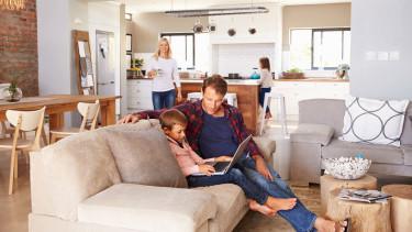 Der Bau von Eigenheimen und Wohnungen in bestehende Gebäude werden gefördert. © Monkey Business - stock.adobe.com, AK Stmk