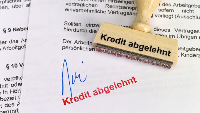 Wegen einer falschen Auskunft, bekam die Frau keinen Kredit. © akf - stock.adobe.com, AK Stmk