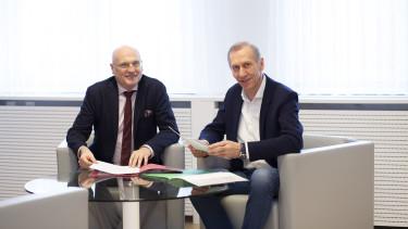 AK-Präsident Josef Pesserl (l.) präsentiert gemeinsam mit AK-Direktor Wolfgang Bartosch die AK-Bilanz 2019. © Temel, AK Stmk