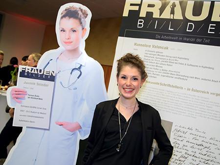 Jasmin Snieder mit ihrer Doppelgängerin © Graf, AK Stmk