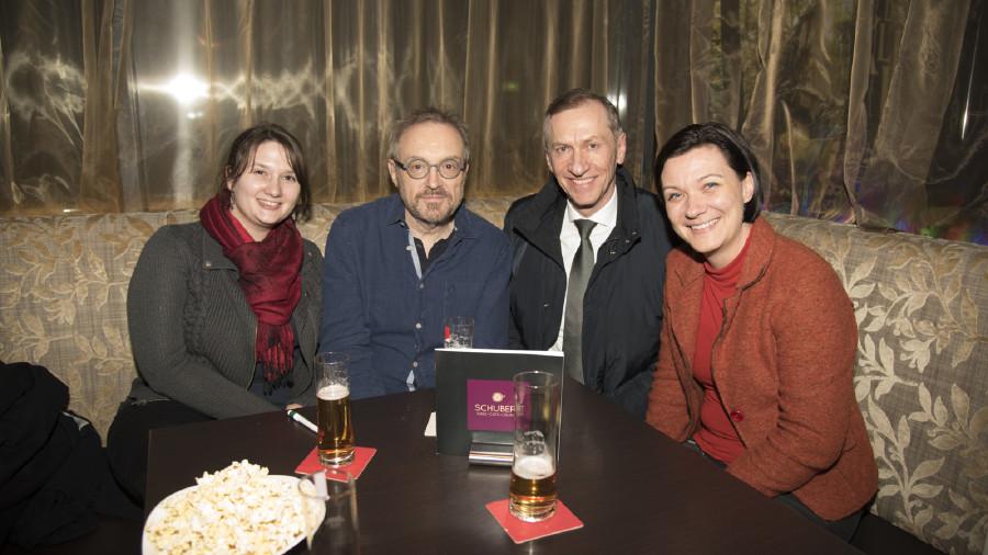Josef Hader mit Präsident Pesserl und Gästen © Krobath, -