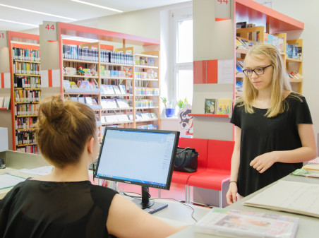 Beratung, Bücher, Bibliothek, Verleih © Purkarthofer, AK Stmk