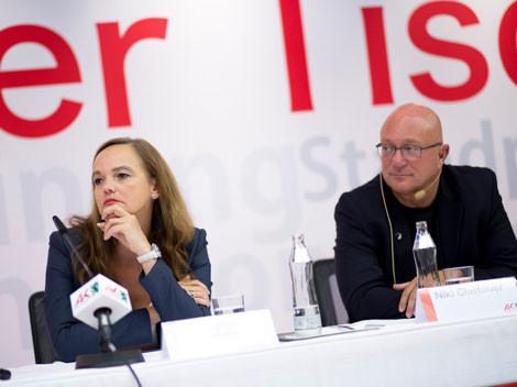 Ministerin Hammerschmid und Autor Glattauer © Graf, AK Stmk