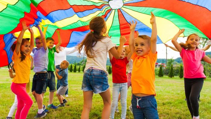 Für Kinder ab 6 Jahren wird im südsteirischen Retzhof ein abwechslungsreiches Programm geboten. © adobe.stock.com, AK Stmk