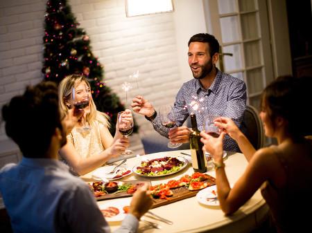 Wer zu Weihnachten mit der Familie feiern will, braucht viel Planung. © Boggy, fotolia