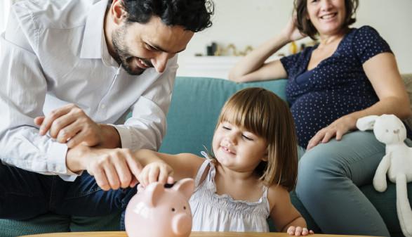 Familie und Geld sparen © Rawpixel.com , stock.adobe.com