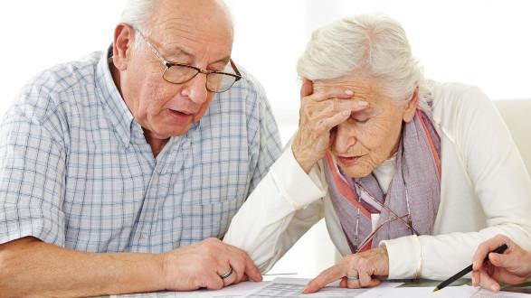 Einige Banken streichen den Pensionisten aufgrund ihres Alters den Überziehungsrahmen.  © Robert Kneschke - stock.adobe.com, AK Stmk