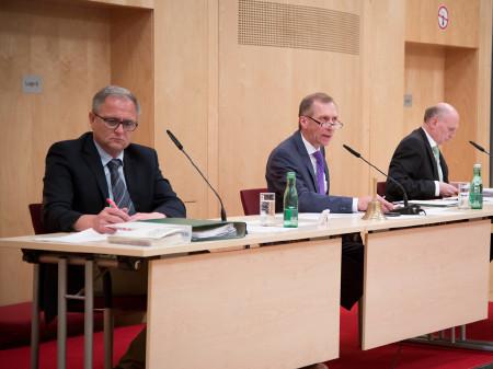 AK Präsident Josef Pesserl mit Vizepräsident Günter Steinbauer (links) und AK Direktor Dr. Wolfgang Bartosch. © Graf, AK Stmk