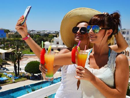 Selfie im Urlaub © monticelllo, Fotolia.com