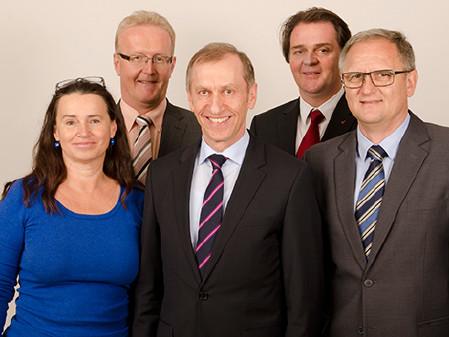 Das neugewählte AK-Präsidium mit Patricia Berger, Franz Gosch, Josef Pesserl, Gernot Acko und Günter Steinbauer. © Fotostudio 44, AK Stmk