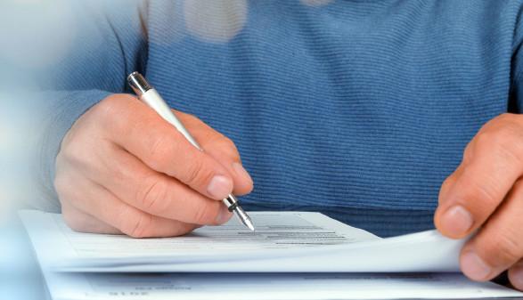 T-Mobile infortmir über Tarifänderungen. Sie haben ein Sonderkündigungsrecht. © jozsitoeroe - stock.adobe.com, AK Stmk