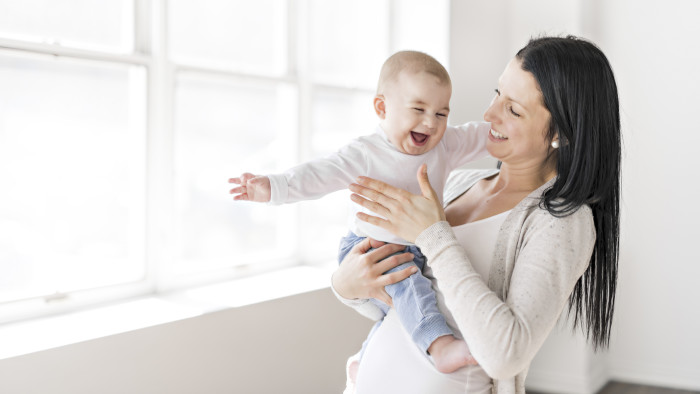 Mutter mit Kind. © pololia, AdobeStock