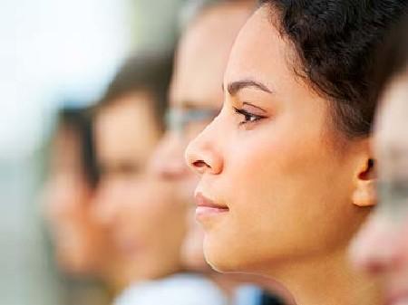 Menschen bei einem Seminar. © Yuri Arcurs, Fotolia.com