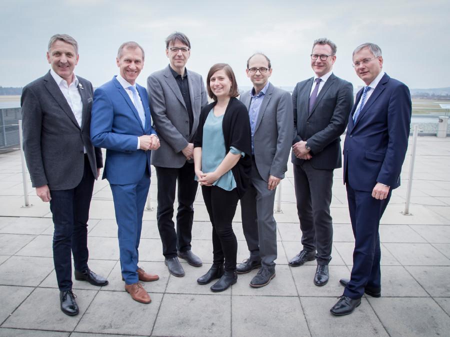 Minister Stöger, Sozialpartner und die Fachleute © Graf, Ak