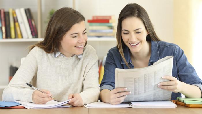 Die AK berät gerne über Bildungswege und Schultyben. © Antonioguillem - stock.adobe.com, AK Stmk
