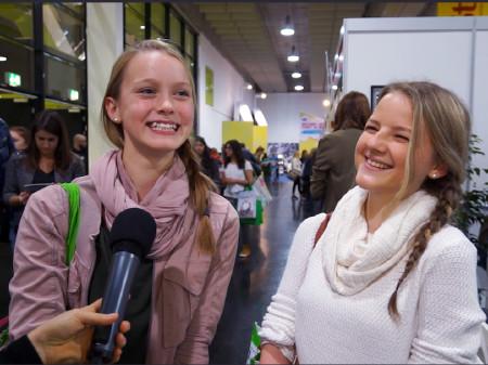 Zwei Mädchen im Interview über den Interessentest der AK © -, AK Stmk