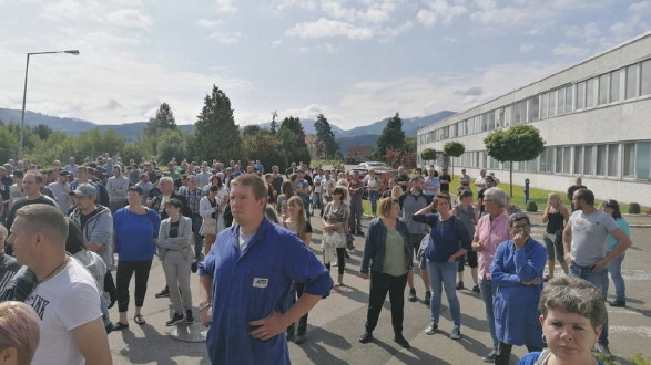 Die Belegschaft hält fest zusammen: Einstimmig wurden Kampfmaßnahmen bis zum Streik beschlossen. In vielen Versammlungen wurde informiert. © privat, AK Stmk