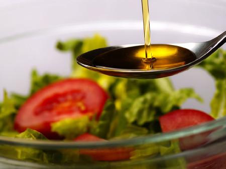 Fünfzehn Öle sind untersucht worden und die Ergebnisse sind top. © stock.adobe.com/Alfred Nesswetha, AK Stmk