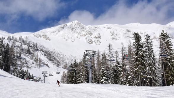 Am 24. Februar mit der ACard 50 Prozent auf die Skikarte sparen. © Brunnalm-Hohe Veitsch, AK Stmk