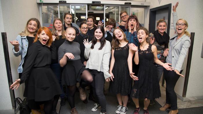 Das sind die Künstlerinnen und Künstler, die ihre Fotos ausstellen. © Graf, AK Stmk